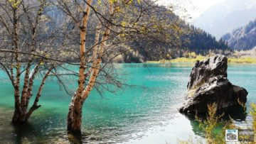 """Озеро Иссык - """"Изумруд в гранитной оправе"""""""