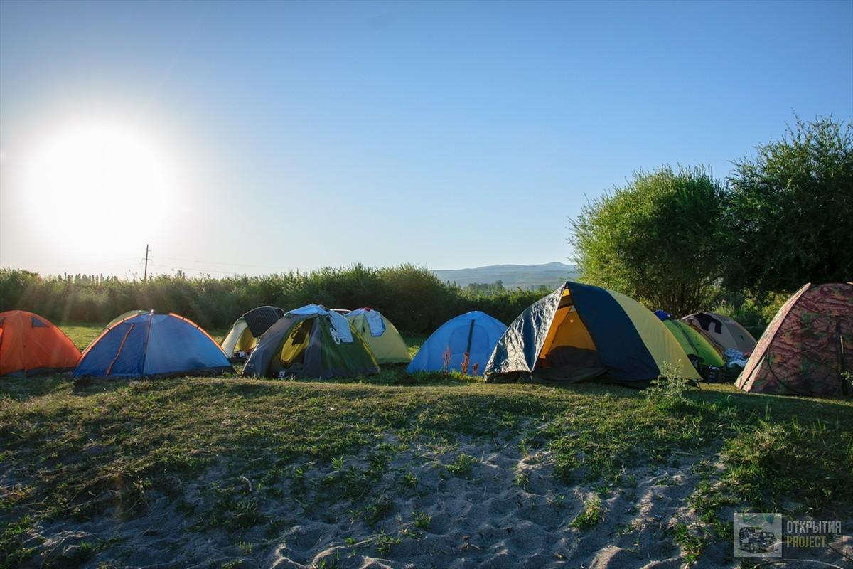 Палаточный лагерь на Иссык-куле