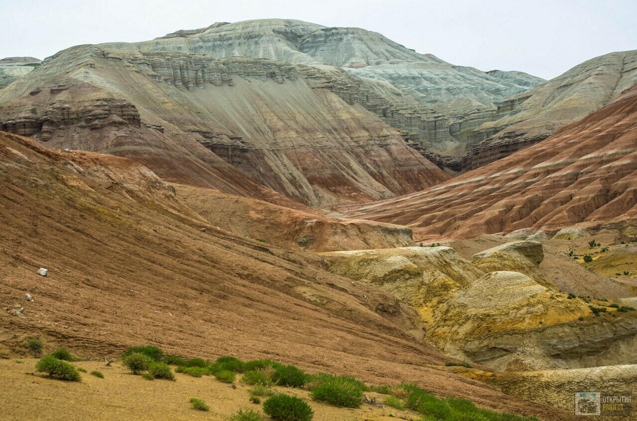 Меловые горы Актау. Парк Алтын-Эмель